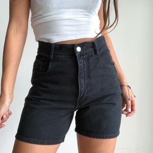 Vintage high waist black mom shorts W30